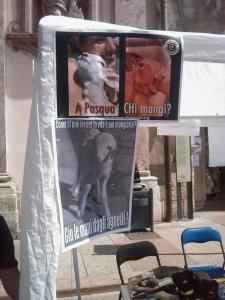 16 aprile 2011 - TAVOLO INFORMATIVO SU MASSACRO AGNELLI E CAPRETTI PERIODO PASQUALE 15