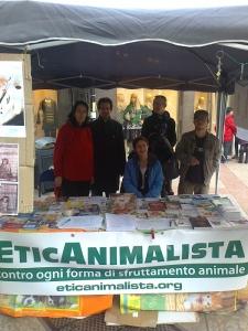 TRENTO - 03.03.2012 - TAVOLO INFORMATIVO SUGLI ORRORI DELLA VIVISEZIONE 6