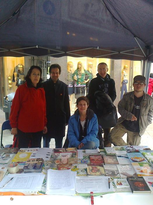 TRENTO - 03.03.2012 - TAVOLO INFORMATIVO SUGLI ORRORI DELLA VIVISEZIONE 131