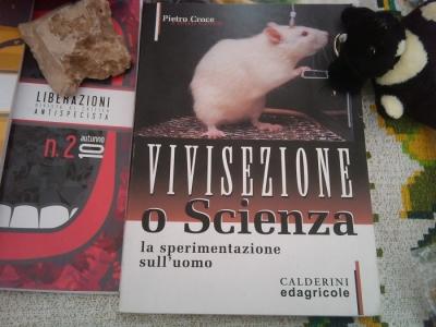 TRENTO - 12.03.2011 - TAVOLO INFORMATIVO SULLA VIVISEZIONE 9