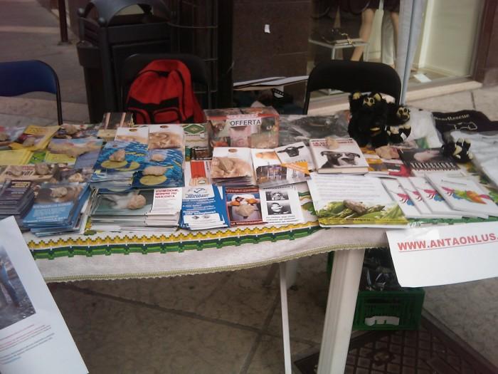 TRENTO - 12.03.2011 - TAVOLO INFORMATIVO SULLA VIVISEZIONE 122