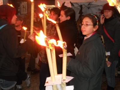 03 dicembre 2011 Trento fiaccolata per denunciare lo sterminio degli animali nel periodo natalizio (e non solo!) 96