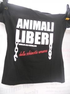 03 dicembre 2011 Trento fiaccolata per denunciare lo sterminio degli animali nel periodo natalizio (e non solo!) 144
