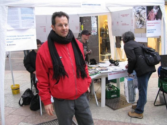 TRENTO - 12.03.2011 - TAVOLO INFORMATIVO SULLA VIVISEZIONE 126