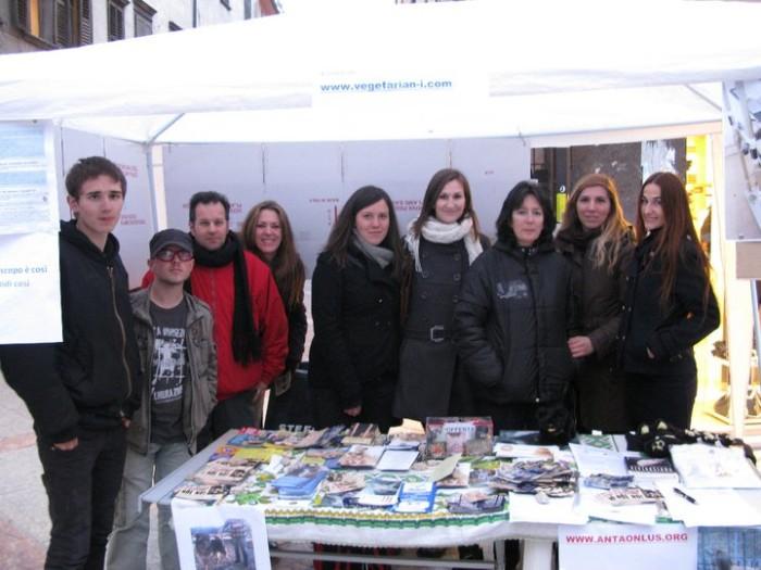 TRENTO - 12.03.2011 - TAVOLO INFORMATIVO SULLA VIVISEZIONE 128