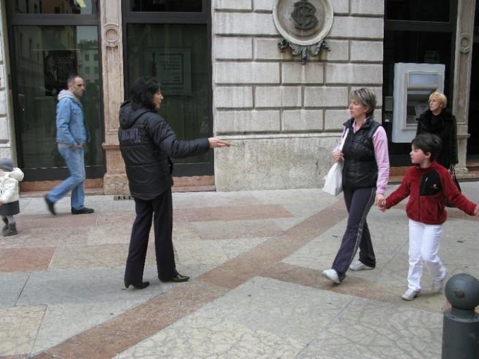 TRENTO - 12.03.2011 - TAVOLO INFORMATIVO SULLA VIVISEZIONE 135