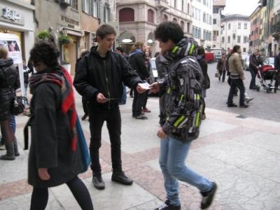 TRENTO - 12.03.2011 - TAVOLO INFORMATIVO SULLA VIVISEZIONE 49