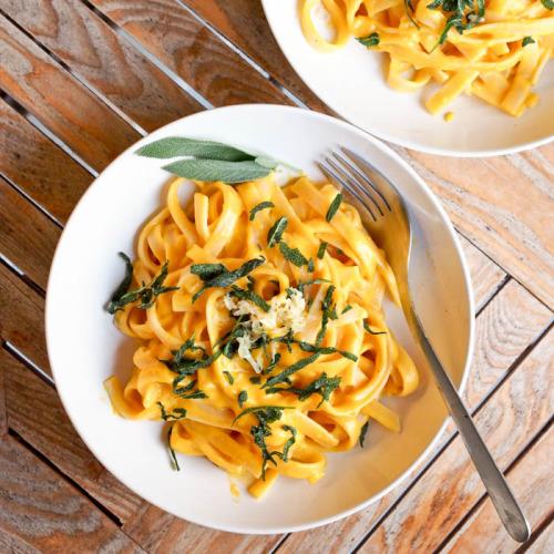 veganrecipecollection: (via Vegan Creamy Pumpkin Pasta with... 19