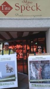 Manifestazione a Trento in difesa degli agnelli a Pasqua 24-25-26 Marzo - Parte 2 7