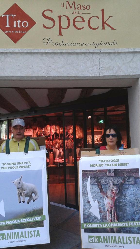 Manifestazione a Trento in difesa degli agnelli a Pasqua 24-25-26 Marzo - Parte 2 15