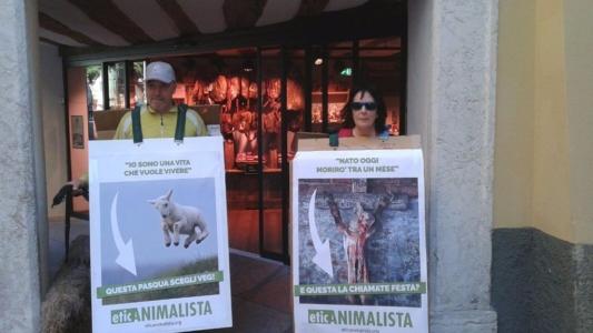 Manifestazione a Trento in difesa degli agnelli a Pasqua 24-25-26 Marzo - Parte 2 8