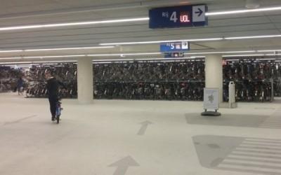 In Olanda si fanno parcheggi solo per ciclisti 7