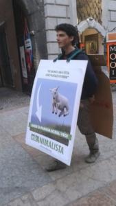 Manifestazione a Trento in difesa degli agnelli a Pasqua 24-25-26 Marzo 8