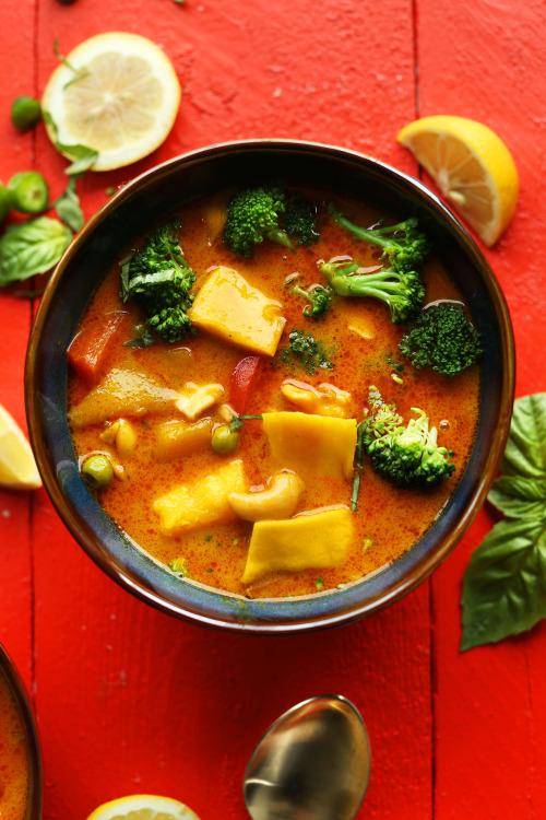 vegan-yums: Thai yellow curry with mango / Recipe 2