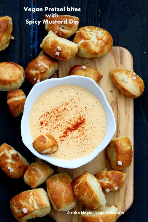 vege-nom: Pretzel bites with spicy mustard dip /... 22