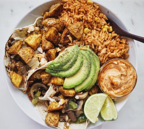 lherbemuse: Overstuffed mushroom potato tacos with Spanish... 25