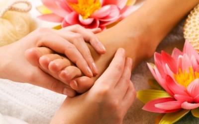 Riflessologia plantare, del viso e della mano: tutti i benefici 3