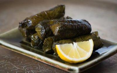 Gli involtini di foglie di vite, o dolmades: la ricetta facile 5