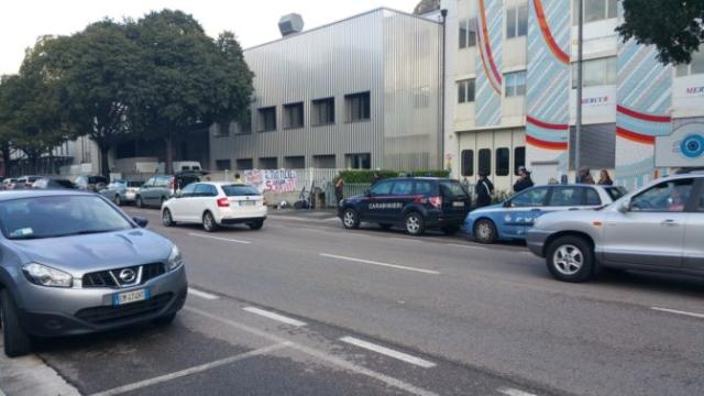 Fronte animalista Bolzano - Manifestazione Porte aperte 10 anni della casa della zootecnia 4
