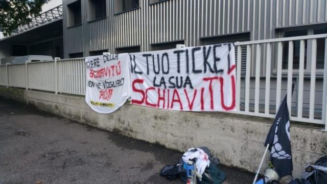 Fronte animalista Bolzano - Manifestazione Porte aperte 10 anni della casa della zootecnia 8