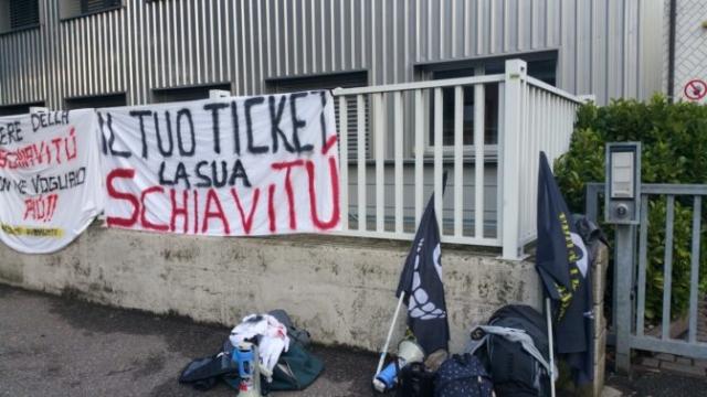 Fronte animalista Bolzano - Manifestazione Porte aperte 10 anni della casa della zootecnia 9