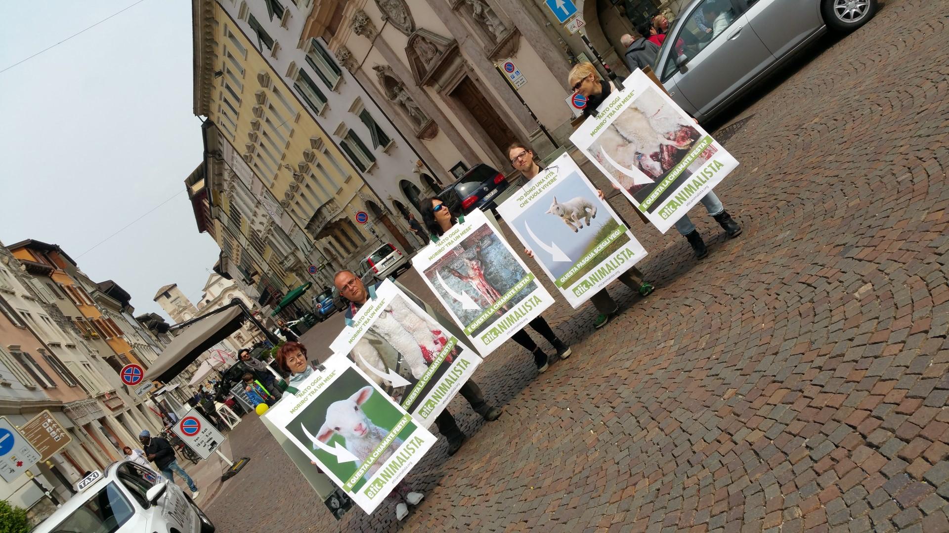 Manifestazione di protesta contro il massacro Pasquale degli agnelli e capretti 15 Aprile 2017 38