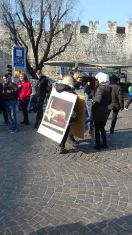 """""""A PASQUA NON UCCIDO"""" Manifestazione di protesta contro la strage pasquale di agnelli e capretti 12"""
