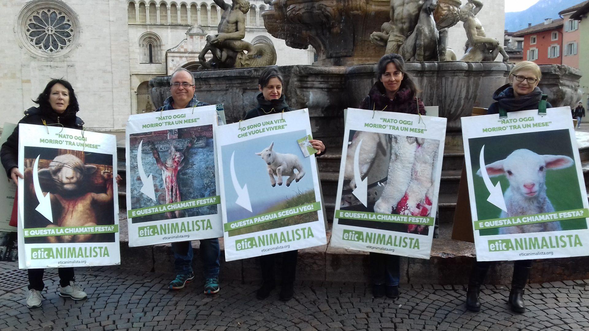 """""""A PASQUA NON UCCIDO"""" Manifestazione di protesta contro la strage pasquale di agnelli e capretti 42"""