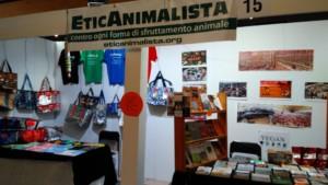 Tavolo informativo di Etica Animalista alla fiera annuale Fa la cosa giusta - 26-27-28 ottobre 2018 - Trento 31