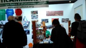 Tavolo informativo di Etica Animalista alla fiera annuale Fa la cosa giusta - 26-27-28 ottobre 2018 - Trento 8